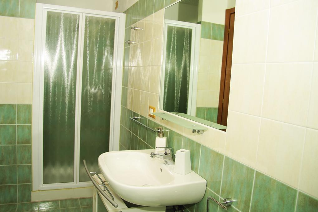 Il Querceto - BeB - Perugia - Appartamento Giardino - Bagno Camera Blu